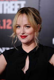 dakota johnson annastasia 50 shades of grey_raannt