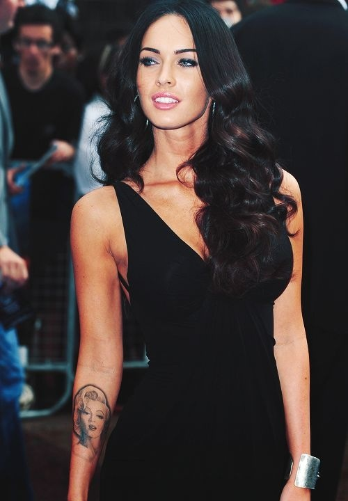 megan fox sexy red carpet 2013 marily monroe tattoo_raannt