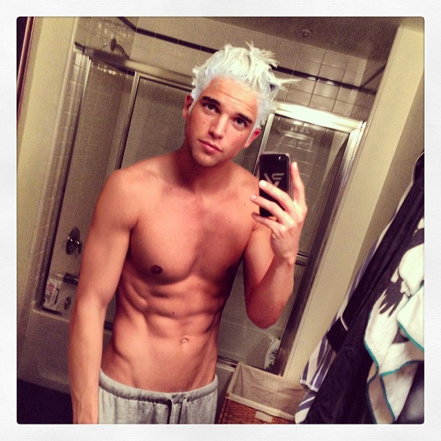 river viiperi sexy shirtless selfie 2014_raannt
