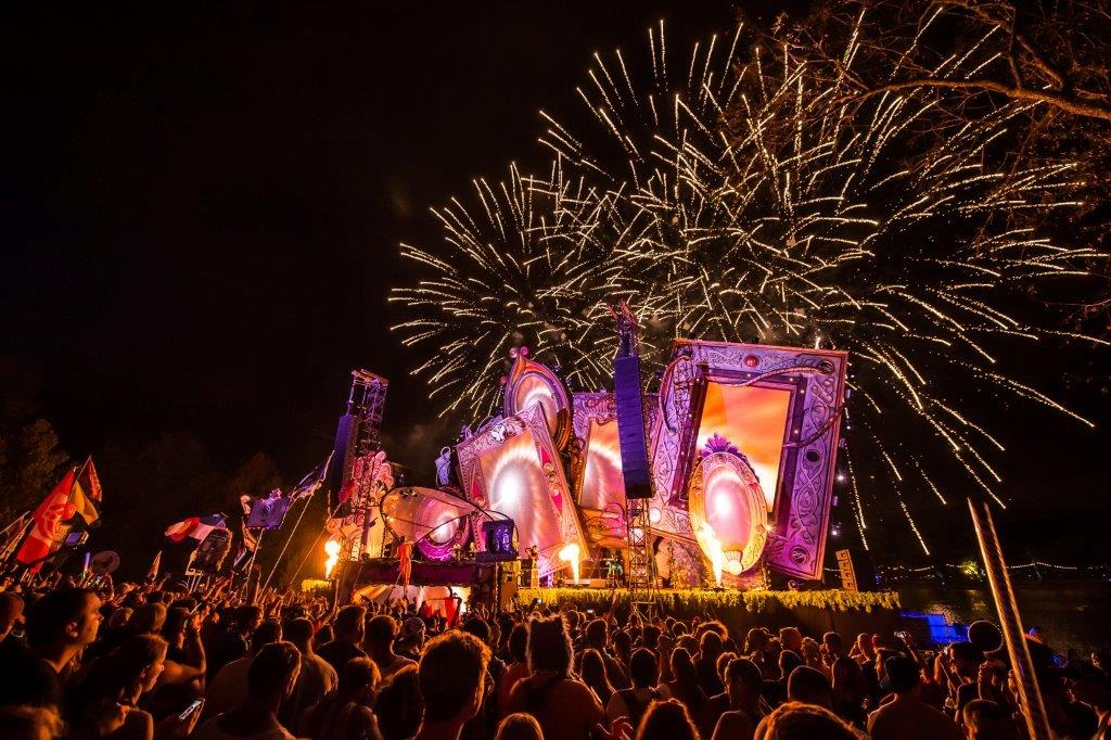 tomorrowworld 2014 d_raannt