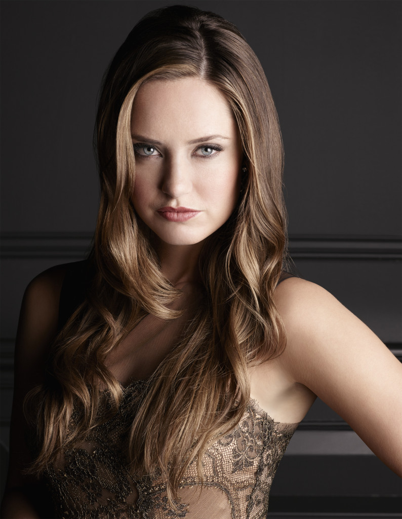Merritt Patterson as Ophelia on 'The Royals' Sundays at 10pm ET on E!